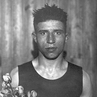 Bep van Klaveren als olympisch kampioen in 1928
