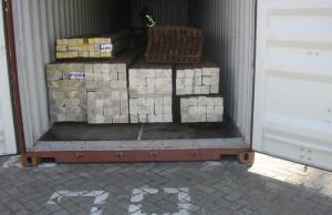 Container met briketten