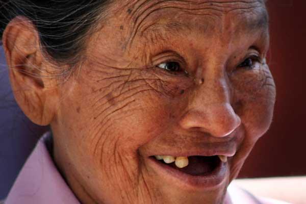 Het oudst worden mensen in Japan met bijna 84 jaar