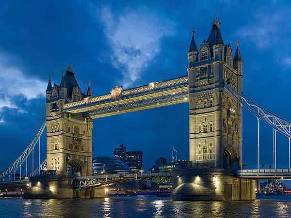 Meest bijzondere ophaalbrug is de Tower Bridge in Londen (top 10 met video's)