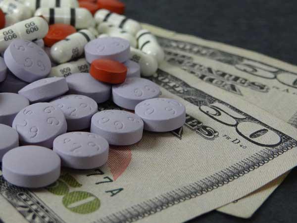 Farmaceutische industrie geeft meer uit aan reclame dan aan onderzoek