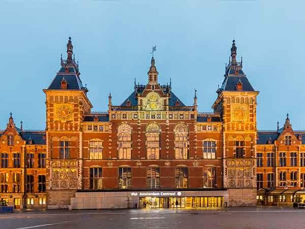 Drukst bezochte treinstation van Nederland is Amsterdam CS – de top 33