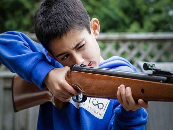 Hoeveel kinderen komen er jaarlijks om door vuurwapens in de VS? 1.300!