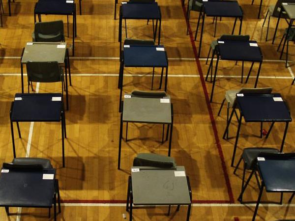 Strebers sjoemelen meer bij examens