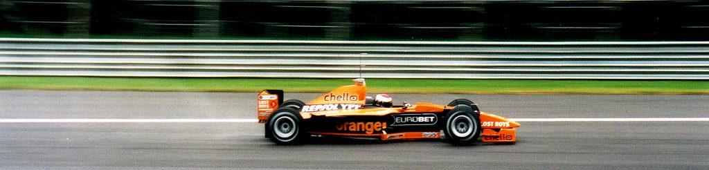 Verstappen in de Arrows in het jaar 2000