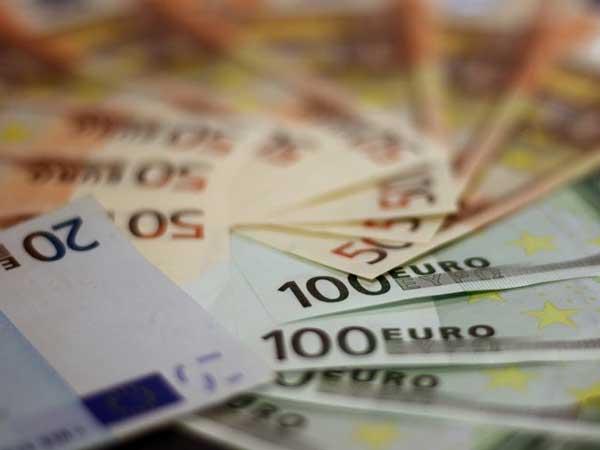 Geld maakt wel gelukkig zegt onderzoek, heel erg gelukkig zelfs!