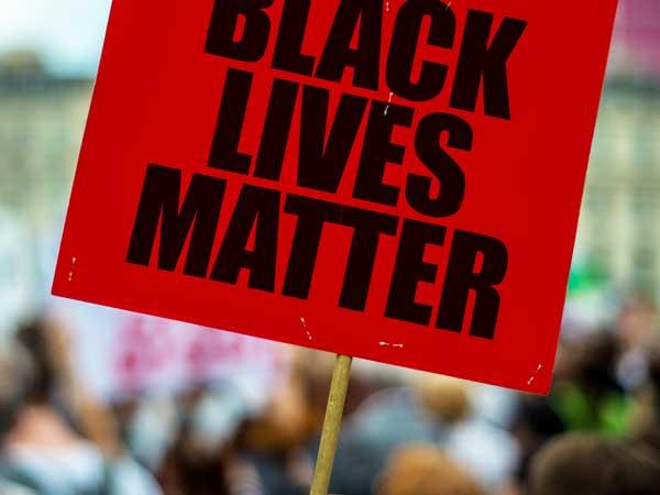 Zijn racisten dom? Onderzoek wijst uit van wel…