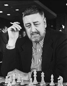 J.H. Donner tijdens het NK schaken in Leeuwarden, 17 april 1978