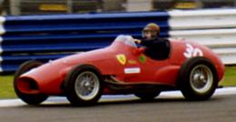 José Froilán González in een Ferrari 500 in 2000