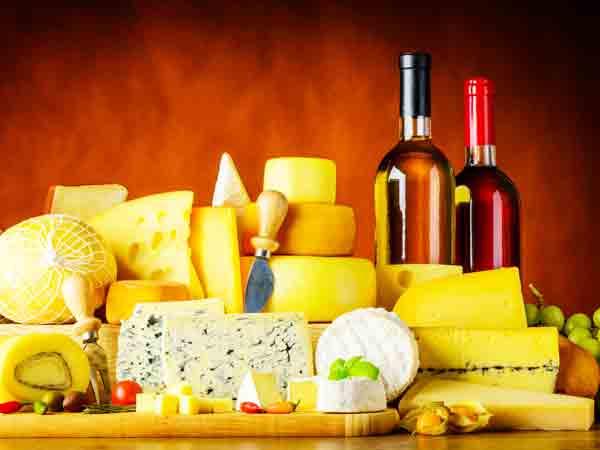 Kaas en wijn verminderen kans op Alzheimer zegt onderzoek