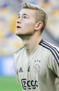 Matthijs de Ligt tijdens een training van Ajax