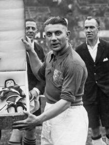Puck van Heel in 1938
