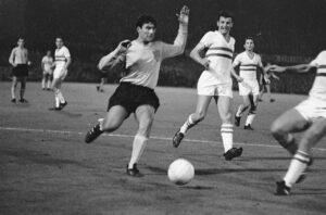 Sjaak Swart - Nederland - Hongarije 2-2 , Rotterdam, 7 september 1966