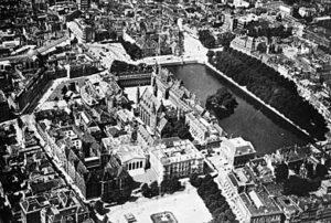 Luchtfoto van het Binnenhof in 1938