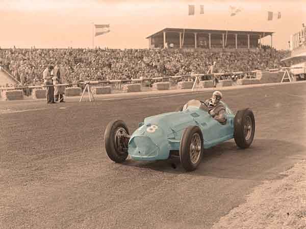 10 Oudste Formule 1 coureurs die ooit deelnamen aan een Grand Prix