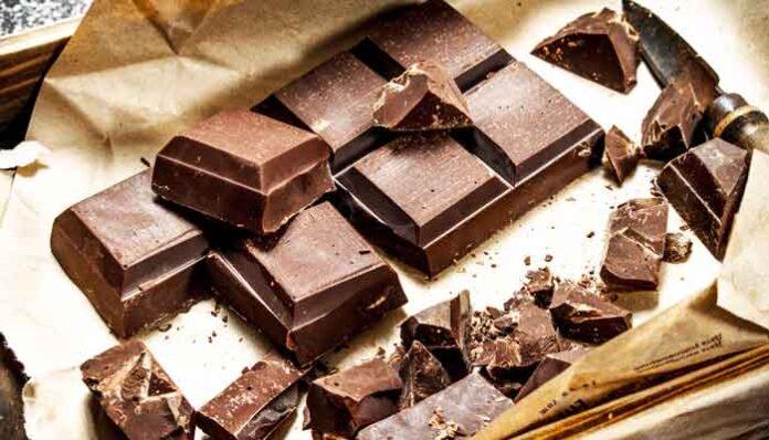 Eten chocolade na opstaan helpt vetverbranding