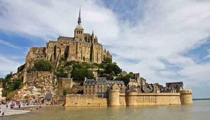 Mont Saint-Michel: Top 25 Mooiste bezienswaardigheden in Normandië