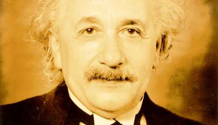 Albert Einstein - Top 10 Mannen met de beroemdste snorren aller tijden