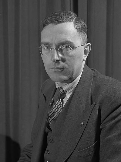 Max Euwe (1945)