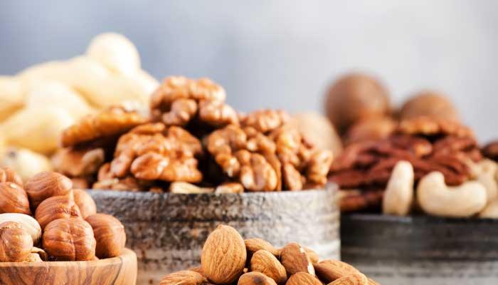 Eten van noten vermindert kans op hartziekten en kanker zegt studie