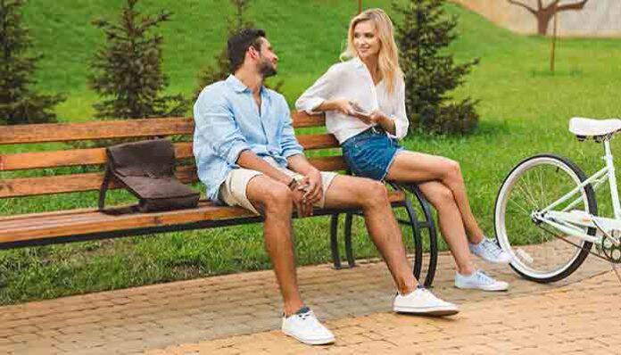 Mensen worden blij van diepgaande gesprekken met vreemden