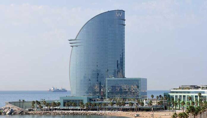 Top 10 Mooiste glazen gebouwen ter wereld: W Barcelona Hotel